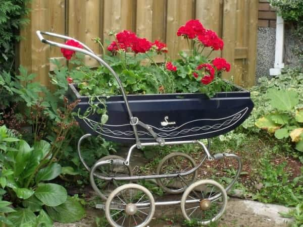 New life for a vintage baby carriage Accessories Recycling Metal
