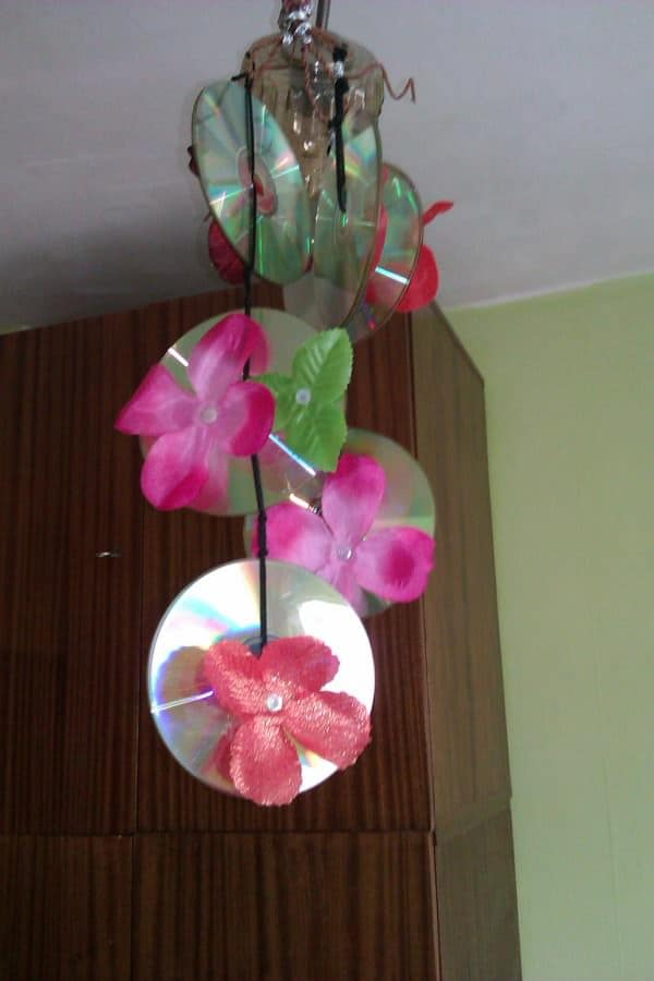 Old CDs Flower Chandelier Do-It-Yourself Ideas Recycled Electronic Waste