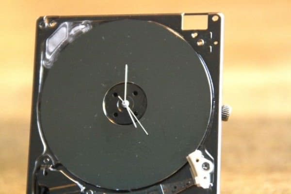 Ipod Hard Drive Turned Into Tiny Clock Recycled Electronic Waste