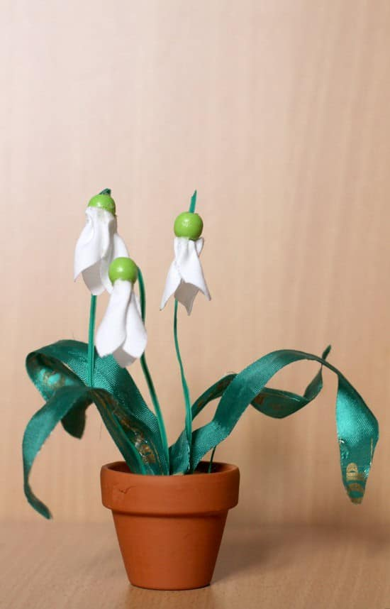 SnowDrops tall resize resize Spring on a Budget in fabric diy  with spring ribbon pot Flower Fabric DIY Craft