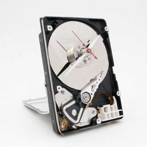 Hard drive clock