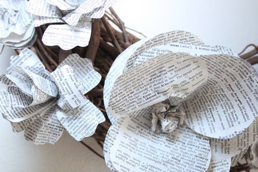 Dictionary Flower Wreath Do-It-Yourself Ideas Recycled Art Recycling Paper & Books