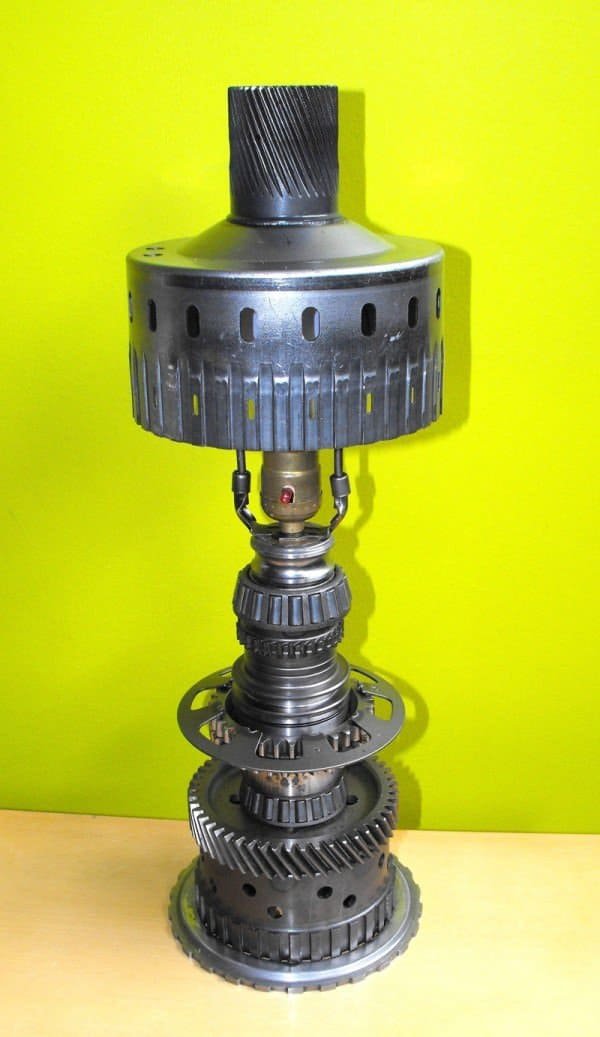 desk lamp made from recycled car parts recycled ideas recyclart. Black Bedroom Furniture Sets. Home Design Ideas