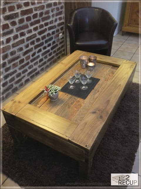 palette 5A 02 2 Pallets coffee table in wood pallets 2 furniture  with Wood / organic Pallets organic Furniture Coffee Table