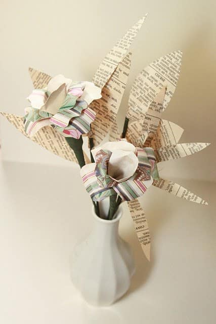 Wall (Paper) Flowers Recycling Paper & Books