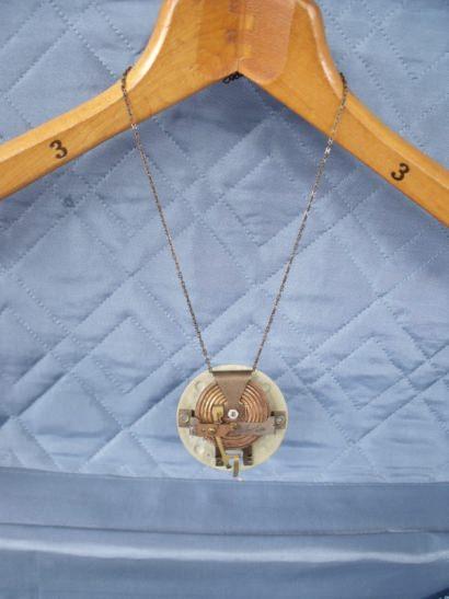 Hygrometer becomes jewel
