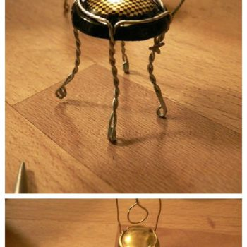 DIY: Champagne Tiny Chair