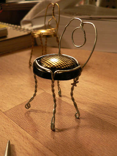 Diy: Champagne Tiny Chair Do-It-Yourself Ideas Recycling Metal