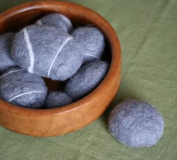 DIY: Felted Rocks