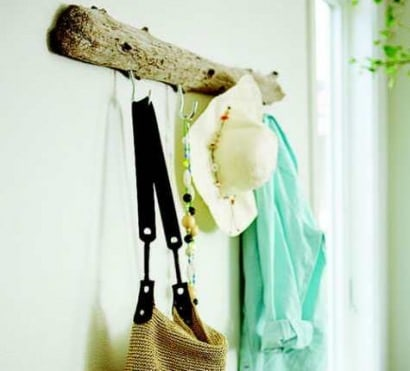 DIY: Driftwood Coat Rack