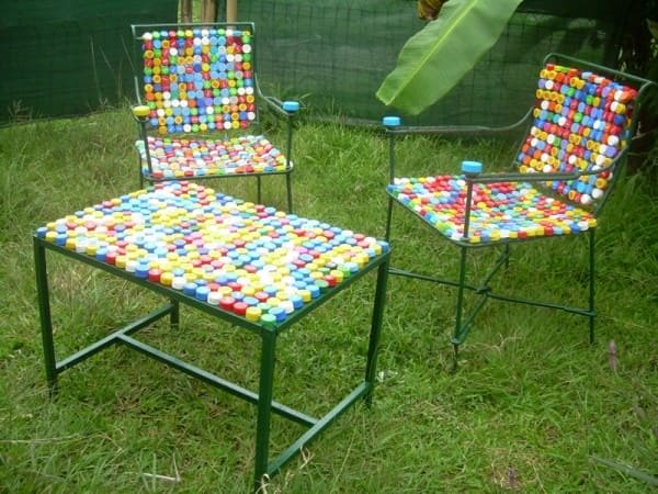 Furniture made with caps Do-It-Yourself Ideas Recycled Furniture Recycled Plastic