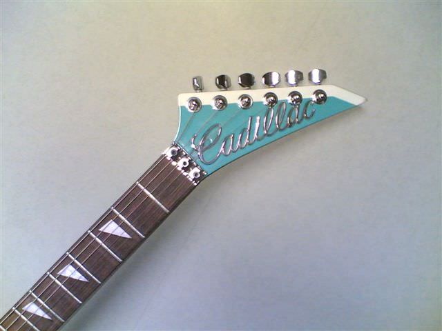 The Cadillac V9 Guitar ! Mechanic & Friends Recycled Art