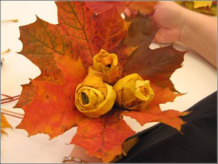 DIY : roses from maple leaves ! Do-It-Yourself Ideas Recycled Art Wood & Organic