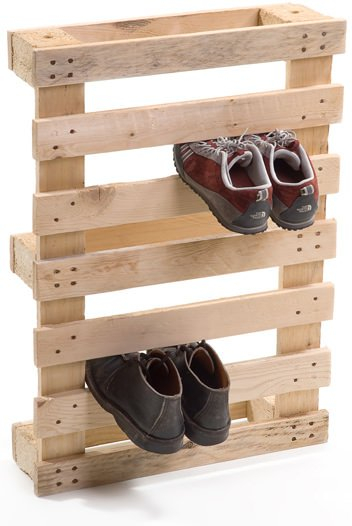 Pallet shoe holder in wood pallets 2 furniture  with shoes Pallets