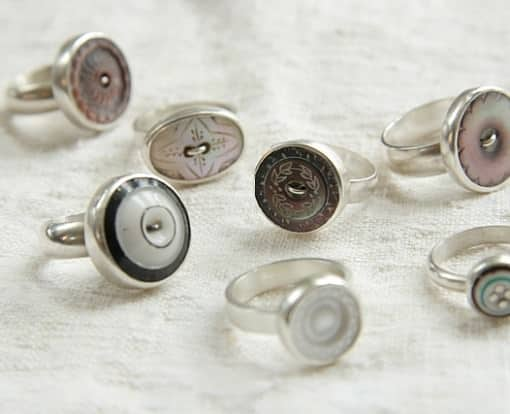 Vintage Rings & Magnets From Upcycled Buttons Accessories Upcycled Jewelry Ideas