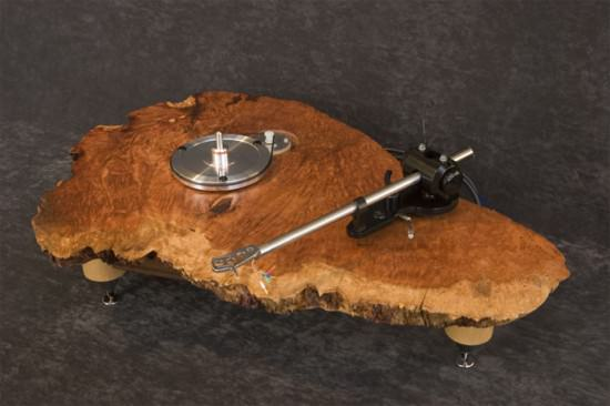 recycled turntable2 Audio Wood : turntables in wood electronics art  with Wood / organic turntable 