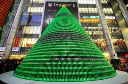 1000 beer bottles Christmas tree