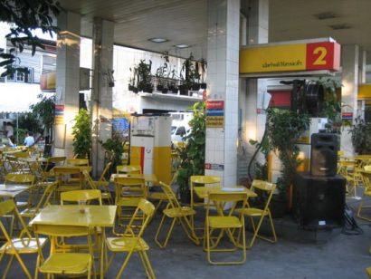 Gas station –> restaurant