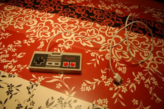 NES controller - iPhone dock/stand Do-It-Yourself Ideas Recycled Electronic Waste