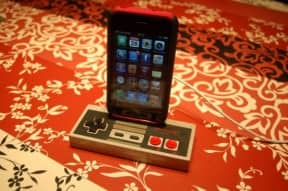 NES controller – iPhone dock/stand