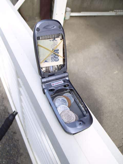 Phone Wallet Accessories Recycled Electronic Waste