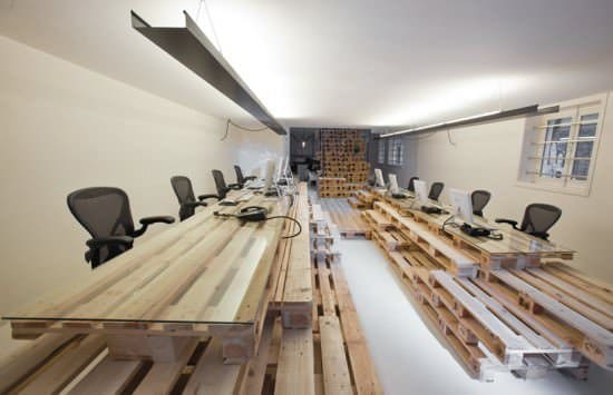 Pallet office by Most Architecture Home Improvement Recycled Furniture Recycled Pallets Wood & Organic