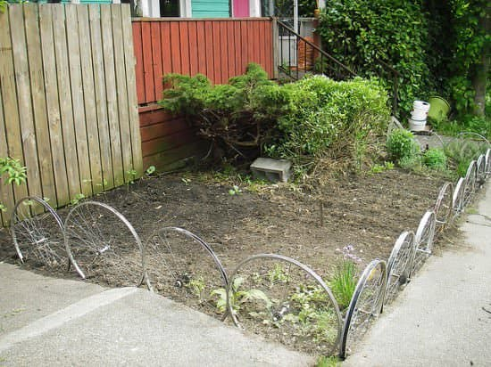 Fence From Upcycled Bike Wheels Bike & Friends Garden Ideas