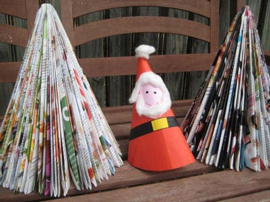 DIY: Magazine Christmas Tree Do-It-Yourself Ideas Recycling Paper & Books
