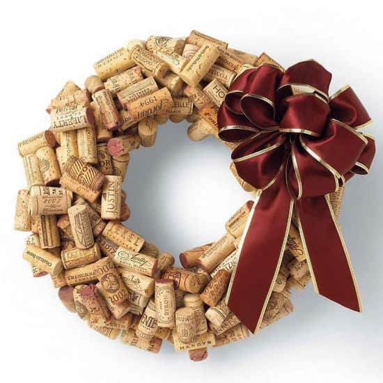 DIY : wine cork wreath (video tutorial) in wood packagings diy  with Wreath Wine Christmas