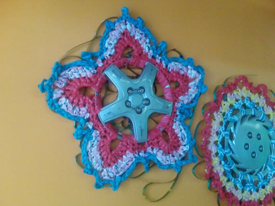 kornblum reDiscover star Hubcaps crocheting in plastics metals diy  with Crochet Automotive