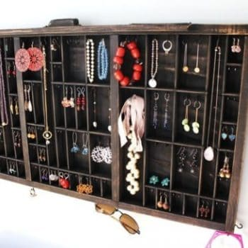 Drawer --> jewelry display