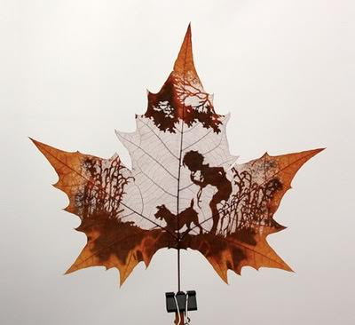 Leaf carving art in wood art  with Recycled Art Leaf