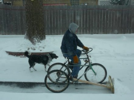 DIY : pedal-powered snow plow