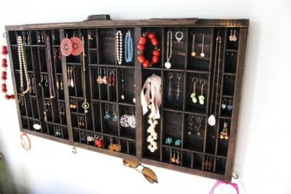 Drawer –> jewelry display