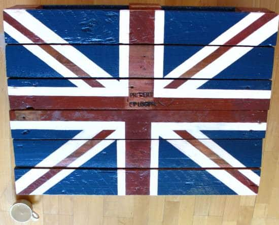 God saved my pallet union jack coffee table recycled - Table basse palette roulettes ...