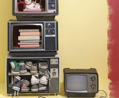 DIY: TV Shelf