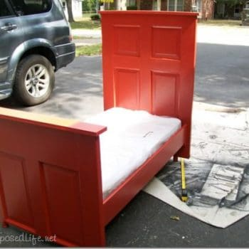 Door --> toddler bed !