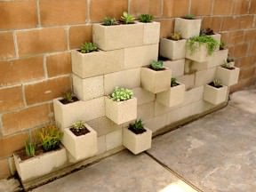 DIY : modern planter from cinder blocks
