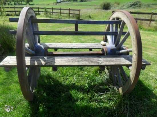 Cartwheel Bench Wood & Organic