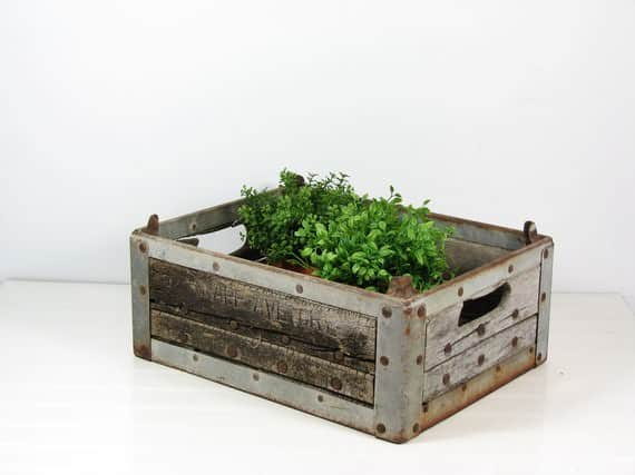Milk crate planter 01 Milk Crate Herb Planter in packagings diy  with Reused planter