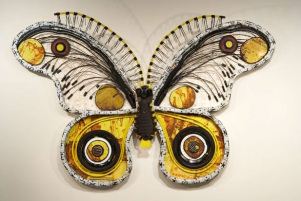Butterfly of the trash in art metals  with Wires Sculpture china Cans butterfly