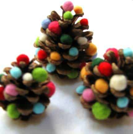 DIY : Pine cone christmas tree in wood diy  with Pine cone DIY Christmas