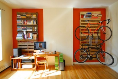 Pallets = bookshelves + bikerack