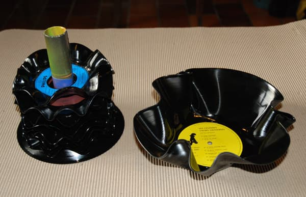 Appetizer set in vinyl records accessories  with Vinyls Music coasters Bowls