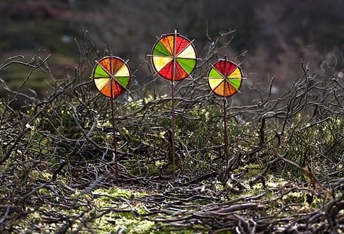 3 winter sun wheels in wood social art  with Leaf Land Art Color