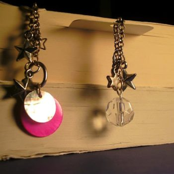 Simple and chic Bookmark