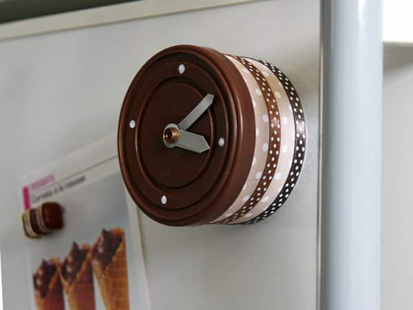 DIY: Tuna can clock in packagings diy accessories  with tutorial scrapbooking Recycled DIY Clock Cans