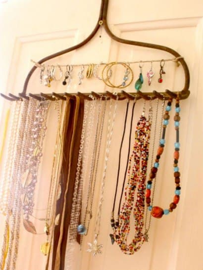 Rake jewelry display