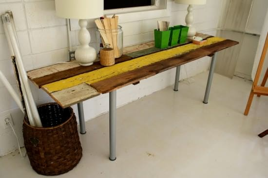 DIY : table from reclaimed wood Do-It-Yourself Ideas Wood & Organic