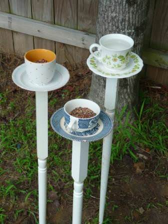 DIY : Tea cup bird feeder in social diy  with Tea kitchen Garden ideas Cup Bird House Bird Animals